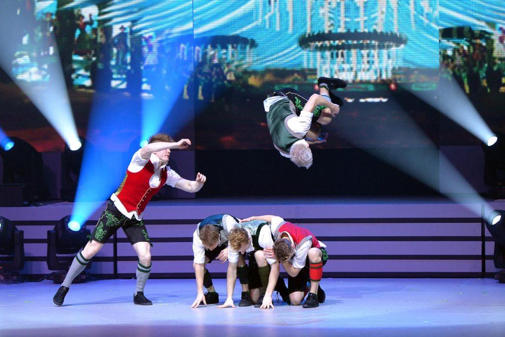 CREDIT: DDC BREAKDANCE Breakdance_in_Lederhosen_-_Das_Beste_Der_Feste_Tournee__Fotocredit_DDC_Breakdance_